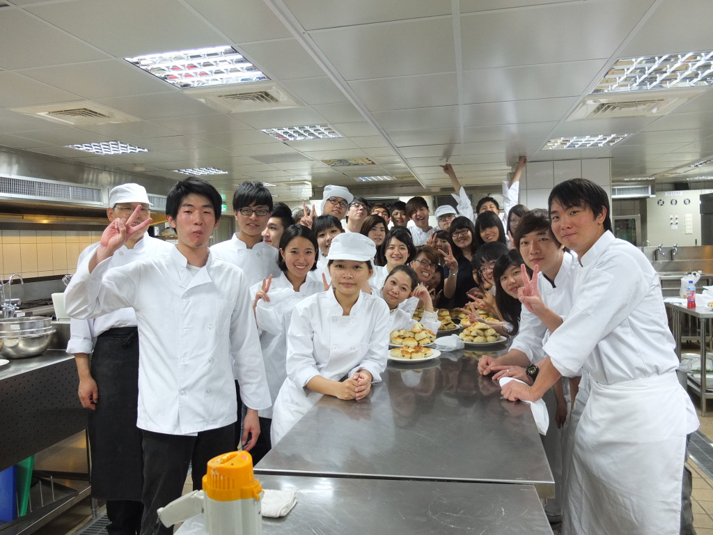 foreign literature for hotel restaurant and management students Literature (lit) management (mgt  this course will introduce students to all aspects of customer  prerequisite: hotel/motel restaurant management student and.