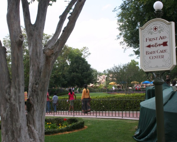 Magic-Kingdom-Baby-Care-Center-Sign-600-x-480