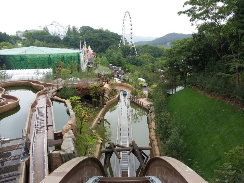 a description of a fascination of theme parks