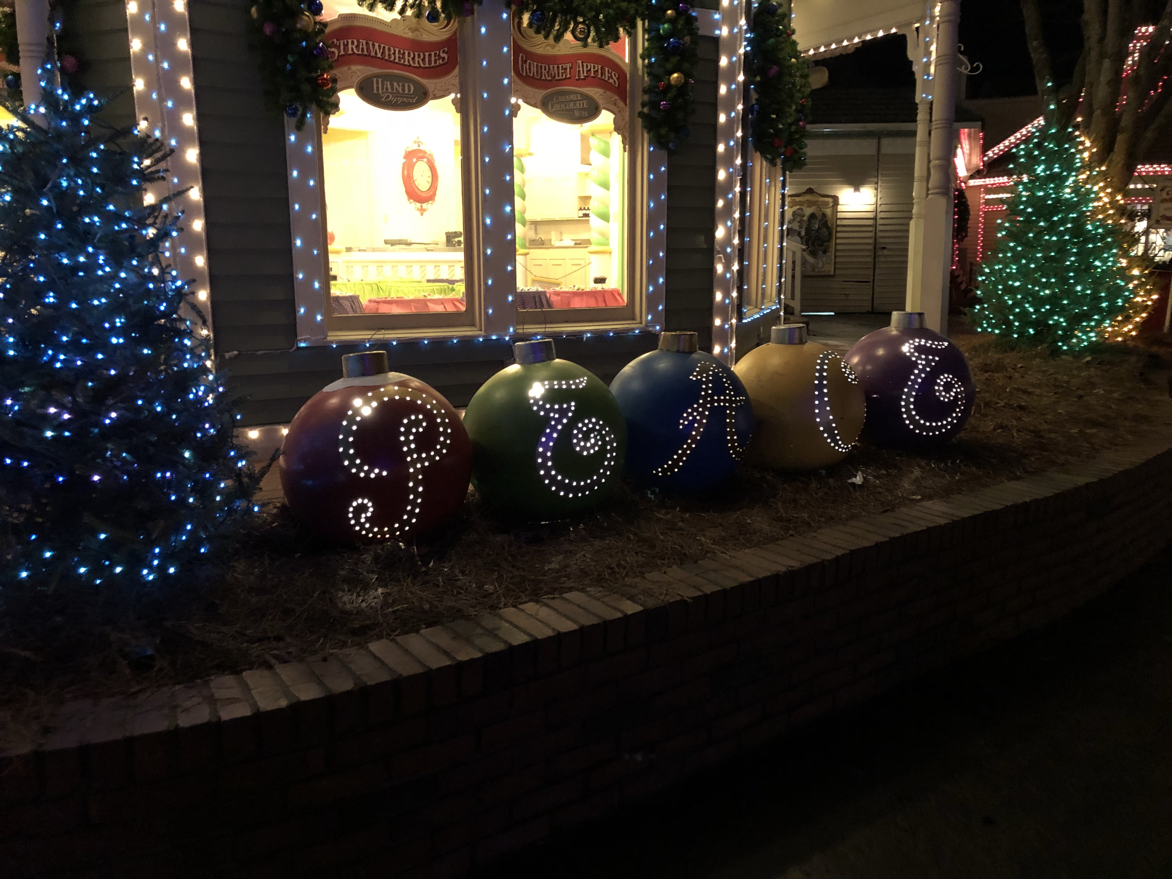 without question dollywood christmas is going to be a new holiday tradition for my family they really do an amazing job with decorations